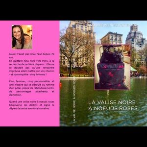Other - NEW.MY NOVEL(french)LA VALISE NOIRE A NOEUDS ROSES